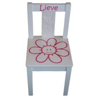 Kraamcadeau met naam stoel
